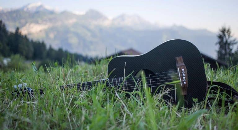 klos guitars best travel guitar
