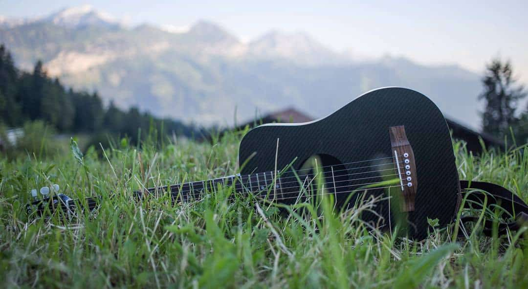 klos guitars best travel guitar